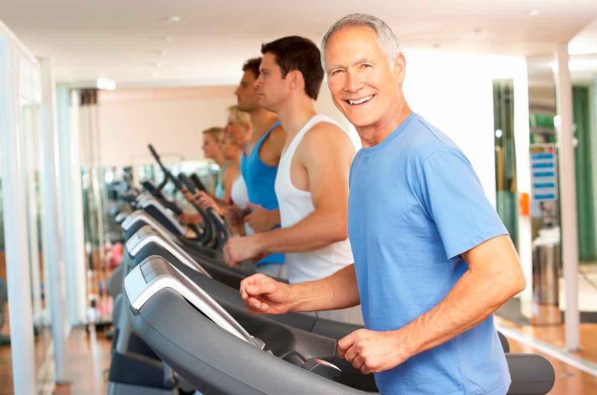 Besprechung Trainingsplan sowie Ernährungsplan für ein optpimales Fitnesstraining.